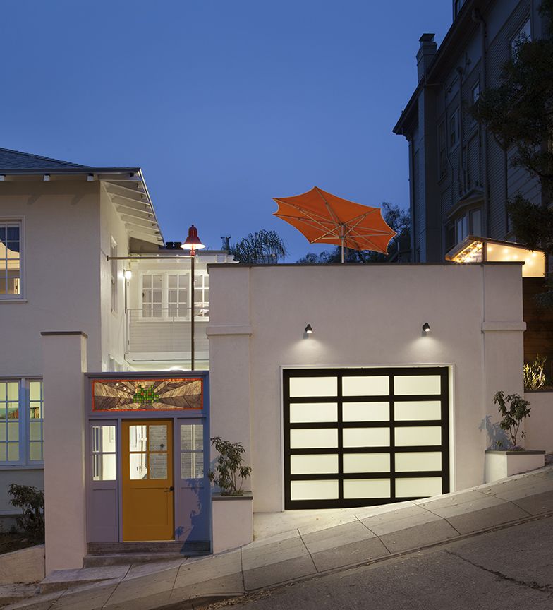 Frosted Glass Garage Door Carport Design Makes for Creative Outdoor Living Space